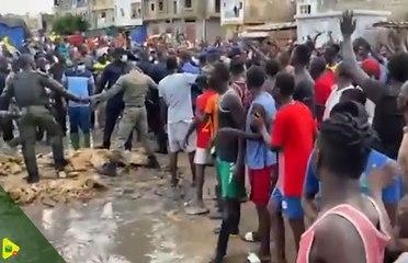 Zones inondées : Antoine Felix Diome passe un sale quart d'heure devant les jeunes