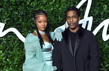 Rihanna e il fidanzato, nozze all'orizzonte?