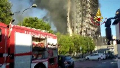 Incendio grattacielo Milano - Operazioni di spegnimento