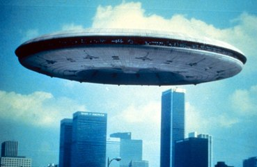 Expert claims time-travelling humans are flying UFOs