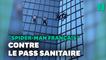 Alain Robert, le Spider-Man français, escalade la tour Total pour dénoncer le pass sanitaire