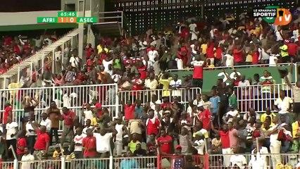 Life 2 Champion avec le footballeur international Ivorien Deli Simon