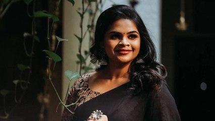 Actress Vidyu Raman Mehndi Function Photos
