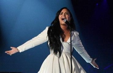 Demi Lovato UFO gördüğünü iddia etti