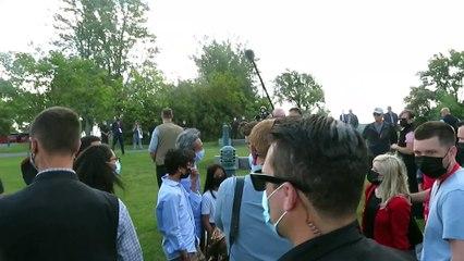 Justin Trudeau accompagné de Caroline Desrochers (Le Reflet - Audrey Leduc-Brodeur)