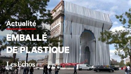 L'emballage de l'Arc de Triomphe, imaginé par Christo, a commencé