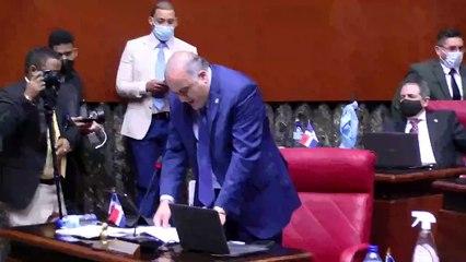 Senador Alexis Victoria defiende su trayectoria empresarial y personal