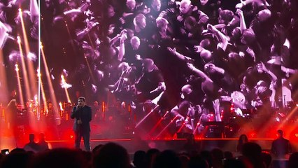 """Extrait du concert donné à Bercy le 14 septembre 2021 : """"Que je t'aime"""" de Johnny Hallyday"""