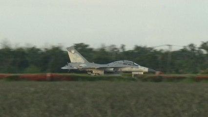 Taïwan : des avions de chasse s'entraînent à atterrir sur une autoroute