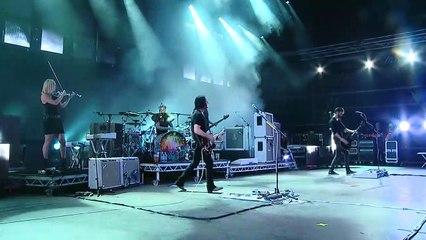 """Placebo  interprète """"The Bitter End"""" en live au Sziget Festival"""