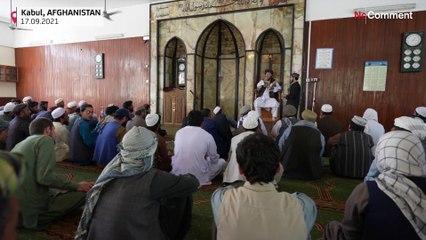 Kabil'de cuma hutbesi sırasında imamdan Taliban'ın dönüşüne övgü
