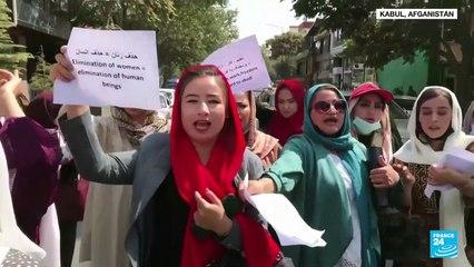 Mujeres afganas vuelven a protestar para que se les permita participar en política y educación