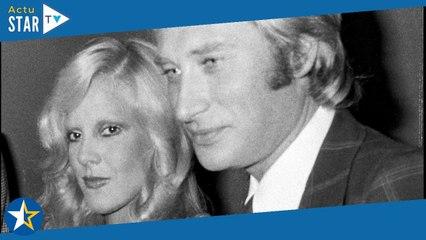 """Obsèques de Johnny - Sylvie Vartan dézinguée par un proche : """"C'est indécent"""""""