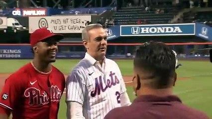Presidente Luis Abinader hace lanzamiento de honor en el partido de Mets y Phillies