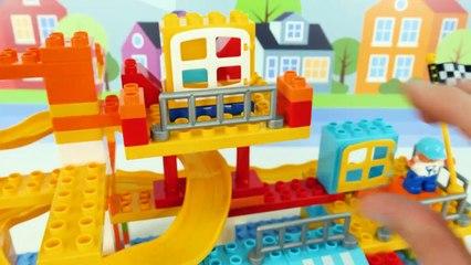 ¡El Mejor Video de Aprendizaje de Juguetes para Niños Building Block Lego Car Track