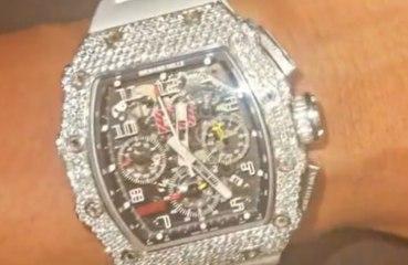 リル・ベイビー、高級時計を購入するもニセモノだった!?