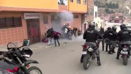 Batalla campal entre cultivadores de coca en las calles de La Paz