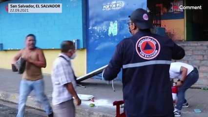 شاهد: حريق ضخم يلتهم ثالث أكبر الأسواق التجارية في السلفادور