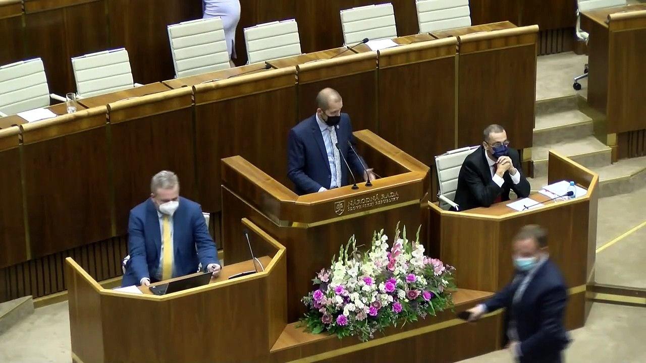 ZÁZNAM: Diskusia k správe generálneho prokurátora - naživo z pléna NR SR