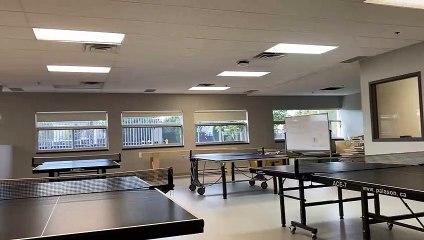Les nouvelles tables de ping-pong de la cafétéria (Le Reflet - Guillaume Gervais)