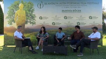 Altın Portakal Film Festivali | 'Okul Tıraşı' film ekibi T24'te: Sıra dışı bir atmosferdeki sıradan insanların hikayesi bu