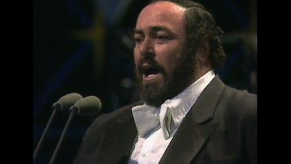 """Luciano Pavarotti - Puccini: Manon Lescaut: """"Tra voi belle, brune e bionde"""""""