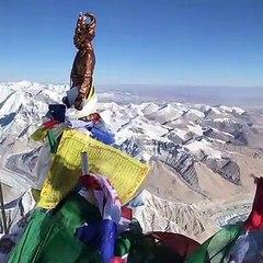 Vue à 360° au sommet de l'Everest
