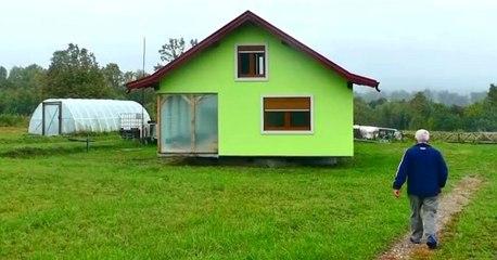 Hombre de 72 años construye una casa giratoria cansado de los reclamos de su mujer por la vista de su vivienda