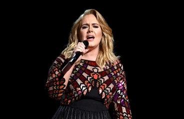 Adele revoluciona a sus amigos famosos con el lanzamiento de 'Easy On Me'