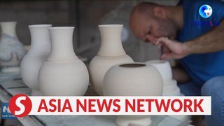 Foreign potters pursue dreams in China's 'porcelain capital'