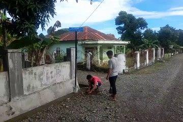 Mahasiswa IAIN Bone Pasang Plang Nama di Tellu Boccoe