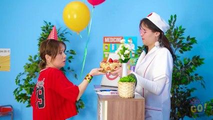 CÓMO COLAR COMIDA EN EL HOSPITAL || Ideas geniales para colar dulces por 123 GO!