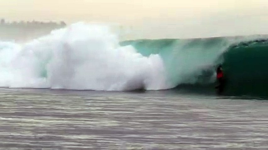21-Year-Old Scottish Surfer and the Best Greenbush Wave He's Ever Surfed