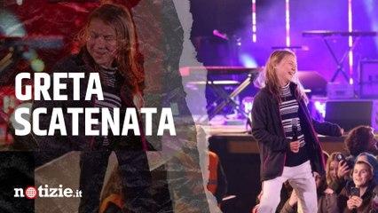 """Greta Thunberg, da """"Bla, bla"""" allo show del Climate Live a Stoccolma: sul palco si balla Rick Astley"""