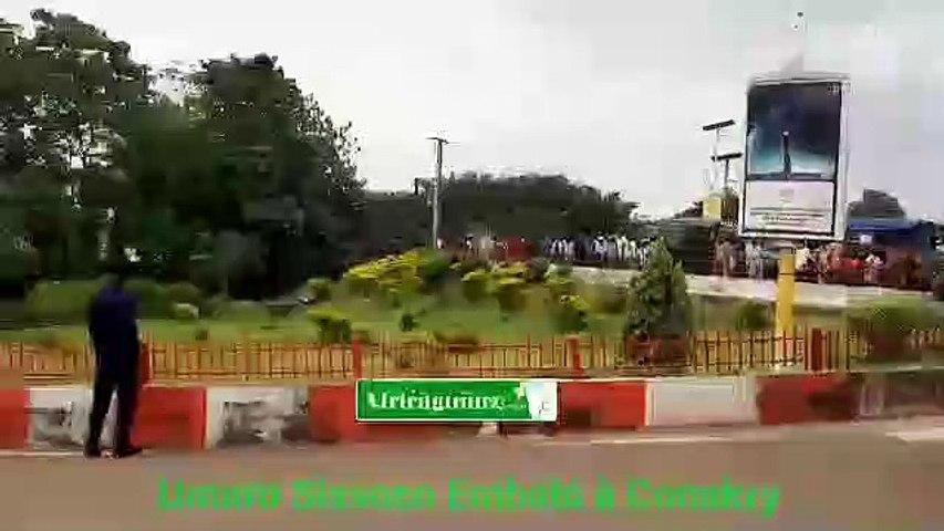 Conakry : Umaro Sissoco Embalo accueilli par Mamadi Doumbouya…