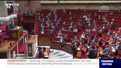 À l'issue de débats houleux, l'Assemblée nationale vote de justesse la possibilité de recourir au pass sanitaire jusqu'au 31 juillet 2022