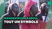 """Ces Sud-Coréens manifestent en tenues de """"Squid Game"""" et ça n'est pas anodin"""