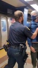 Un homme éjecté du métro de New York pour avoir demandé à des policiers pourquoi ils ne portent pas de masque