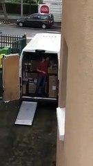 Il déménage et oublie le frein à main de son camion