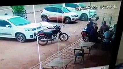 Quand tu dois évacuer la terrasse d'un restaurant le plus vite possible !