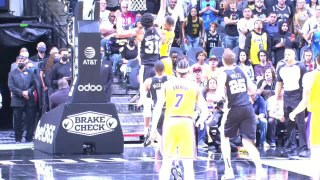 Westbrook dunk lights up Lakers-Spurs thriller