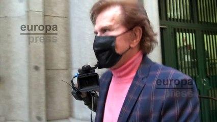Edmundo Arrocet, mudo ante su última exclusiva contestando a Gustavo