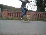 Game of skate : old school kickflip