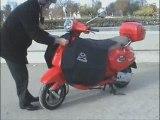 Vidéo de Froggy Rider présentant son tablier pour scooter, le Tab