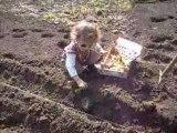 Lou-Ann la petite jardinière