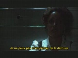 Bette et Tina dans l'ascenseur.