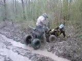Pierrot et son quad dans la boue
