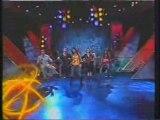 Hablan de los planes de RBD, Dulce Maria canta No pares