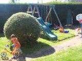 Lucas fait du vélo le 11 mai 2008