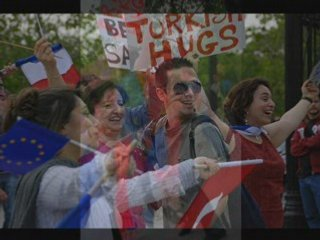 Turkish free hugs